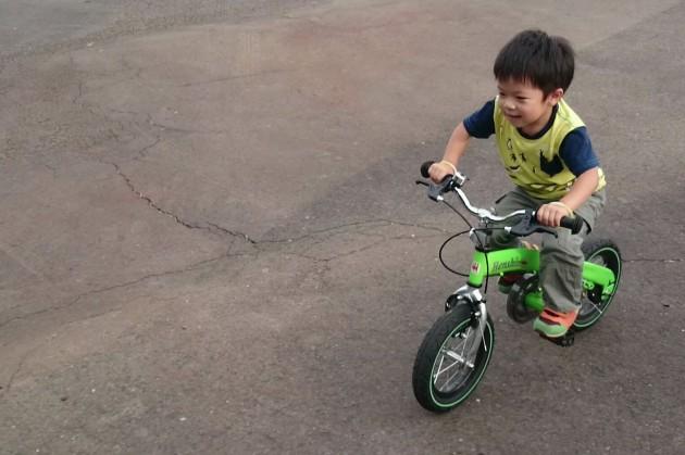 へんしんバイク 4歳半 補助輪なし