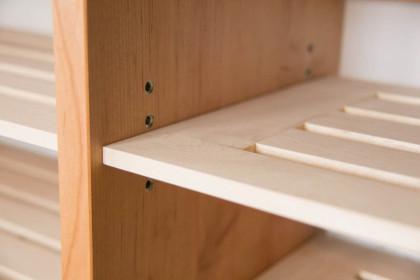 玄関に置く靴の収納を兼ねたベンチ