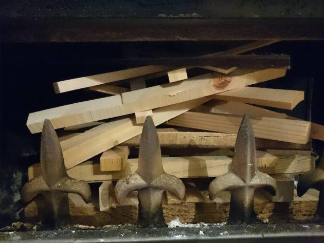 薪ストーブ 火のつけ方 火入れ