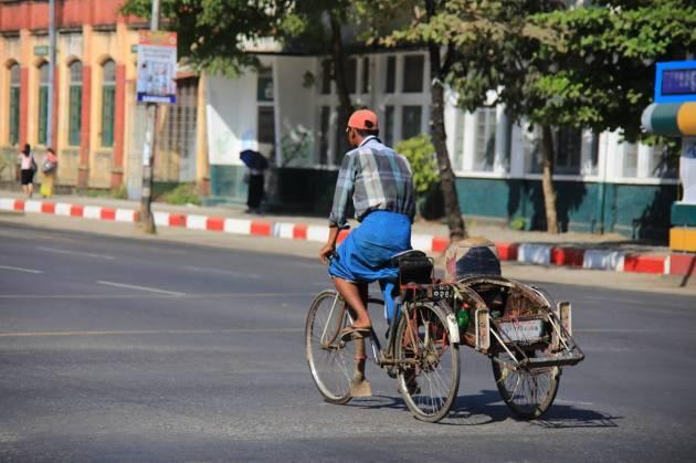 ミャンマー 観光 ヤンゴン myanmar yangon