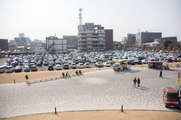 メディアコスモス 駐車場